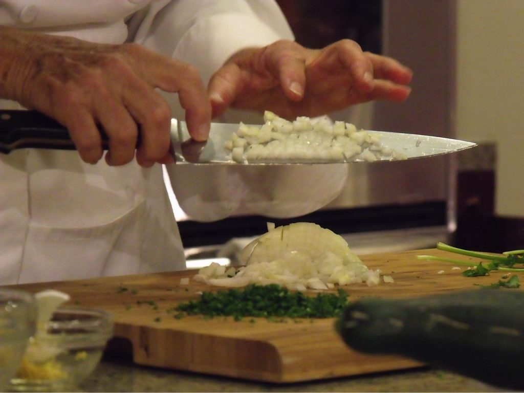 onion chopping technique