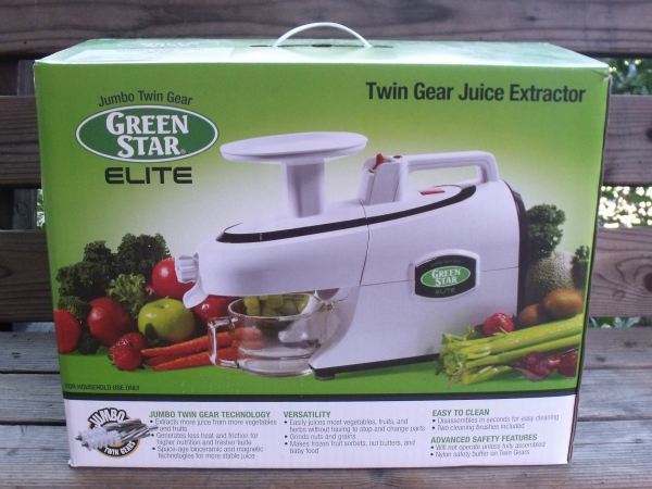 my first green juice mama likes to cook. Black Bedroom Furniture Sets. Home Design Ideas