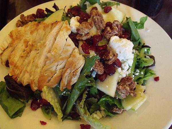Marie Callender's Gorgonzola, Pecan & Field Greens Salad