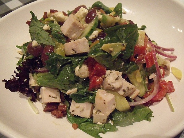 Mediterranean Salade with Herbes de Provence Chicken