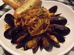 Saint-Malo Pasta - Mussels, linguine & spicy pomodoro sauce