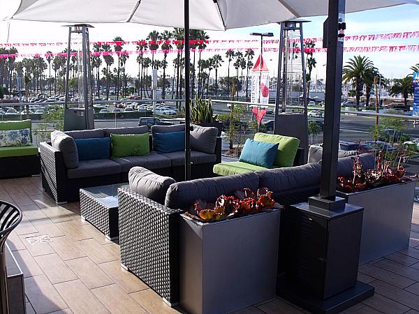 Gelson's Long Beach Patio