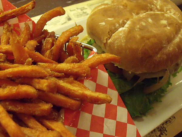 Sweet Potato Fries and a Veggie Burger at Knott's Berry Farm's Ghost Town Grill