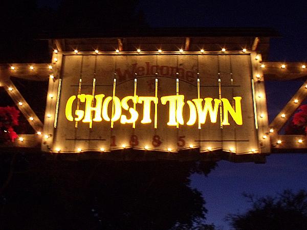 Knott's Berry Farm's Ghost Town