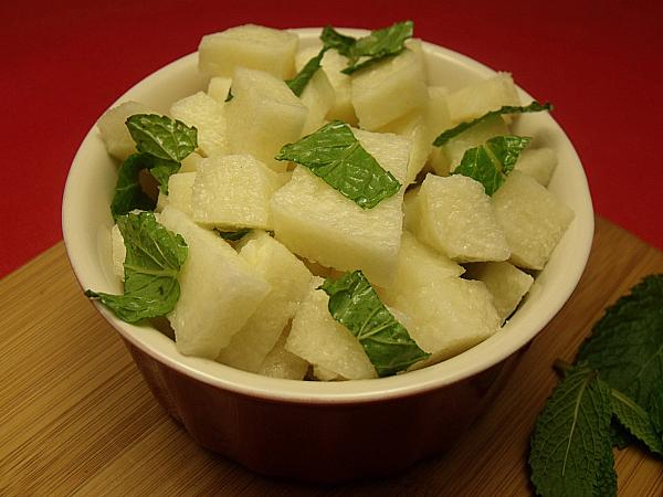 how to cut jicama for salad