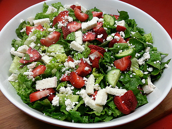 Strawberry and Cheese Chopped Salad
