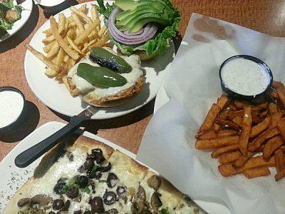 Oggi's – Sports Brewhouse Pizza – Tustin, California