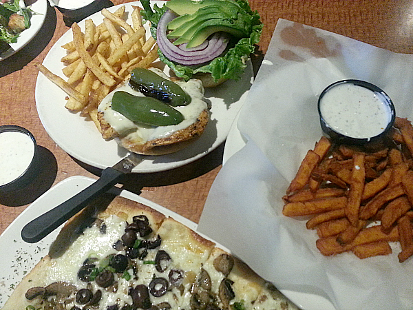 Oggi's Sports Brewhouse Pizza - Tustin, California