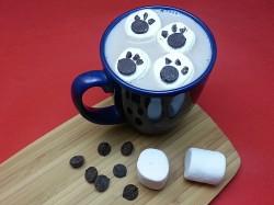 Polar Bear Paw Print Marshmallows for Hot Cocoa