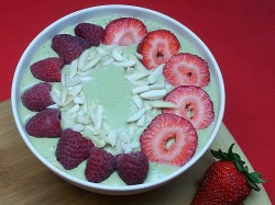 Matcha Oatmeal Smoothie Bowl