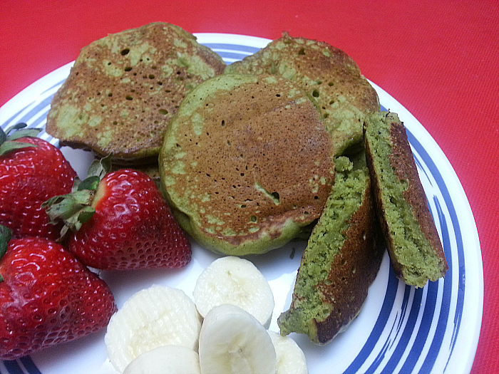 Easy Matcha Green Tea Pancakes