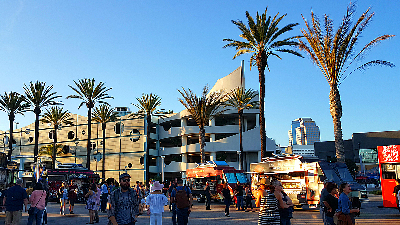Food Trucks at the Aquarium of The Pacific