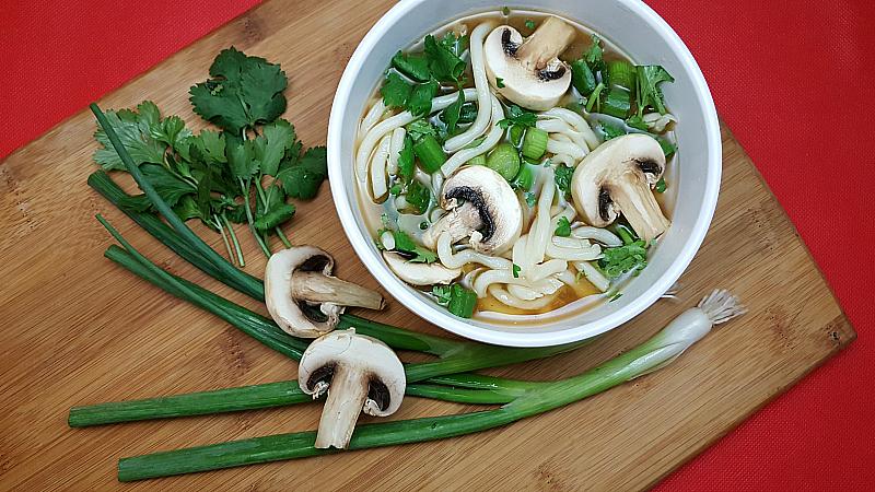 Easy Vegetarian Udon Noodle Soup