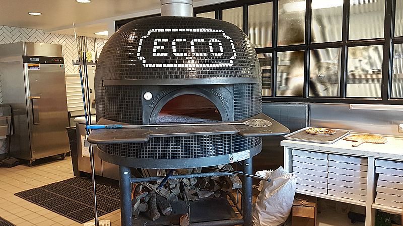 ECCO Build Your Own Pizza at Anaheim Packing House