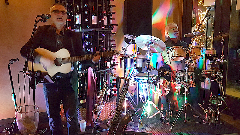 Entertainment at Pour d'Vino Wine Bar and Restaurant on The BLVD in Lancaster