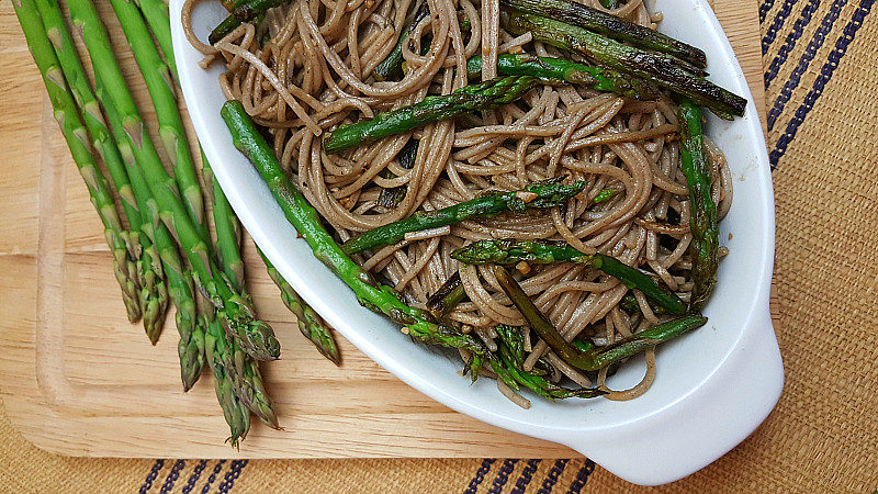 Lemon Garlic Asparagus with Pasta
