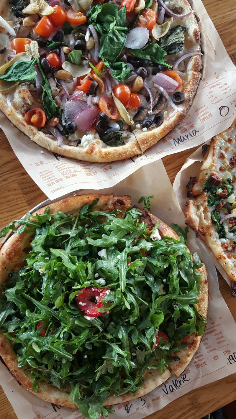 San Clemente Pizza - Blaze Pizza at the Outlets at San Clemente in Orange County, California