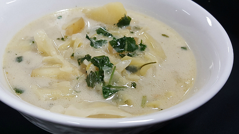 lemongrass cabbage soup