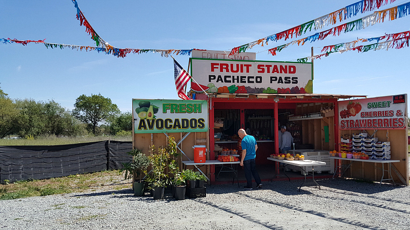 pacheco pass fruit stand