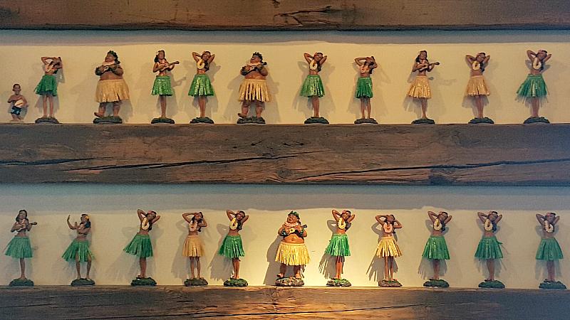 aloha poke hula girls