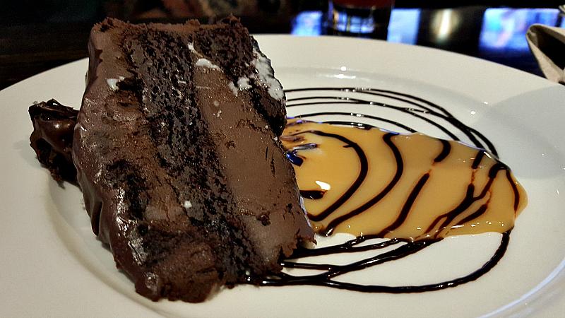 hyatt knuckles cake