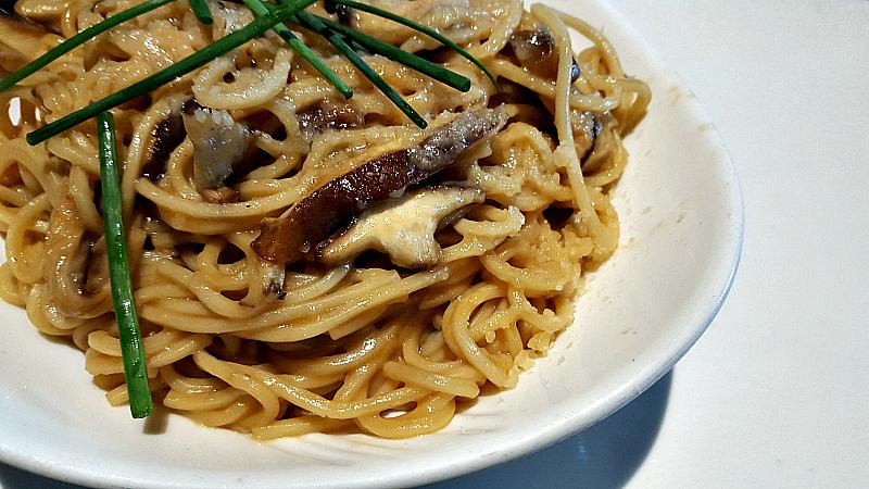 yard house garlic noodles
