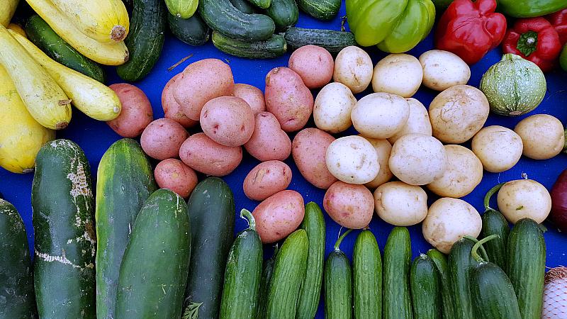 mdr farmers market veggies