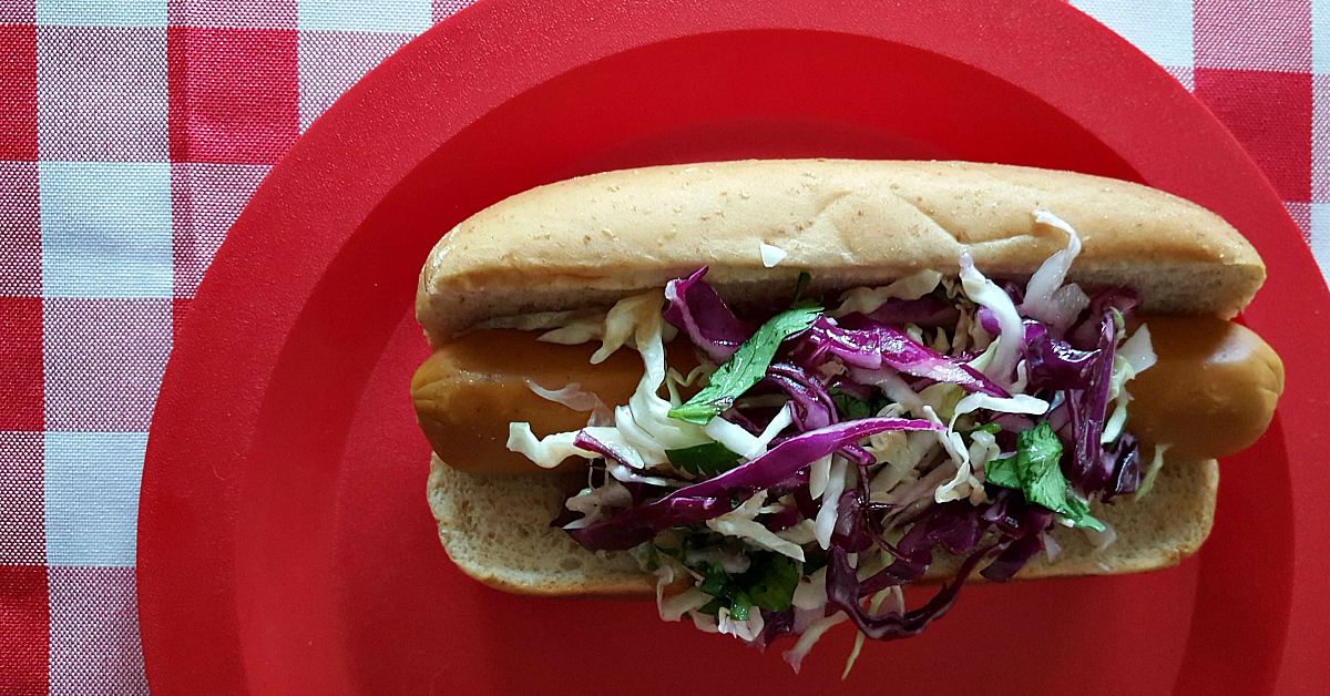 2 vegan hot dog slaw