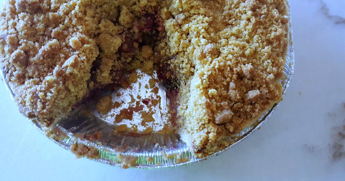 feature julian apple pie to go
