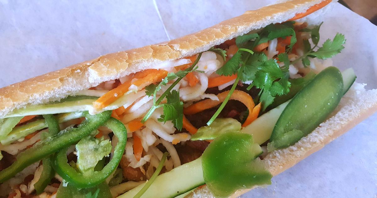 pork banh mi vietnamese sandwich