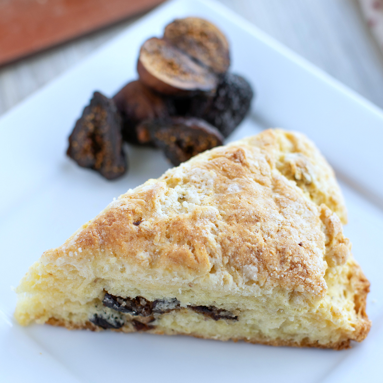 insta cardamom fig scone with dried figs