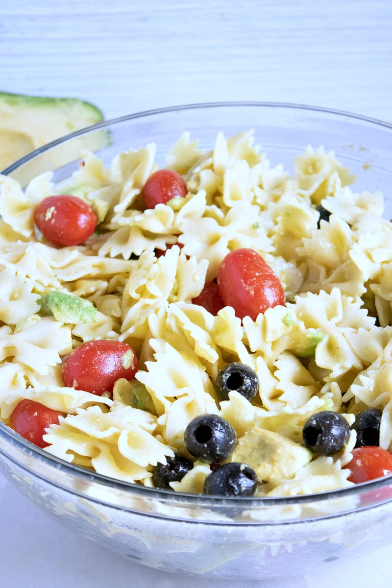 Avocado Bow Tie Pasta Salad Recipe #PastaSalad #PastaSaladRecipes #Vegetarian