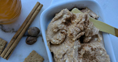 cream cheese pumpkin dip with cinnamon nutmeg honey