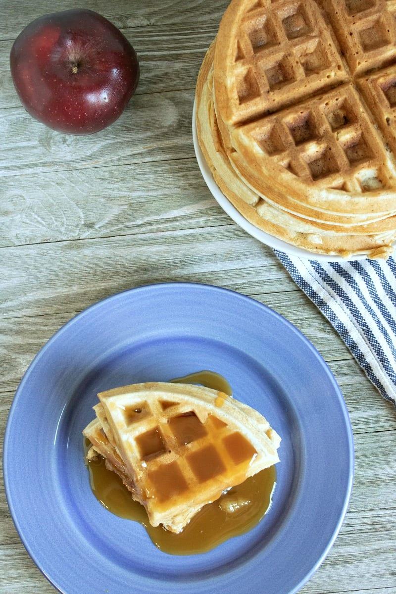 Applesauce Belgian Waffles Recipe - sweetened with applesauce instead of sugar #BelgianWaffles #breakfast #waffles #brunch