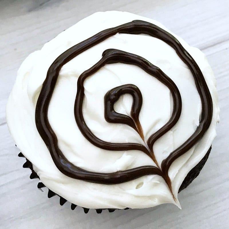 process spider web cupcake