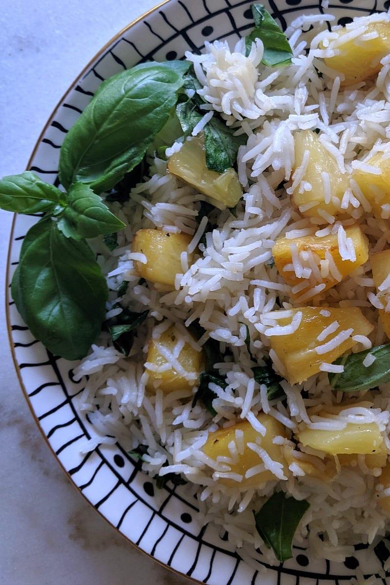 Vegan Pineapple Basil Basmati Rice Recipe #Vegan #Vegetarian #steamedrice #basmatirice #PineappleRice