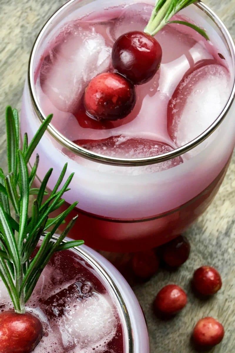 Cranberry Mocktail Punch Recipe #Mocktail #punch