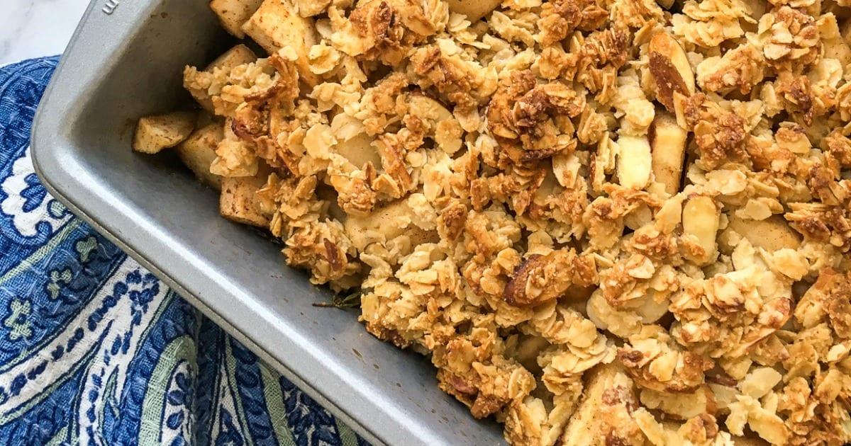 easy apple crisp in pan