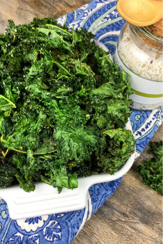 Seasoned Crispy Kale Chips Recipe #KaleChips #Snack