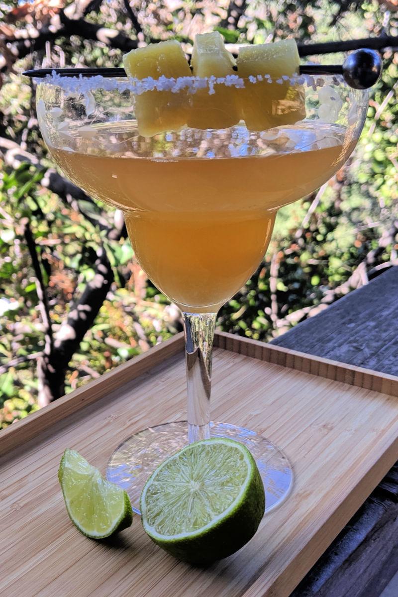 Fresh Pineapple Margarita Recipe #Margarita #MargaritaRecipe #PineappleCocktail #PineappleMargarita