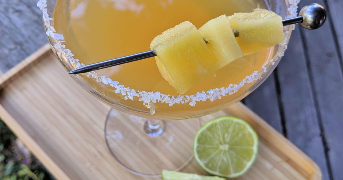 fresh pineapple margarita