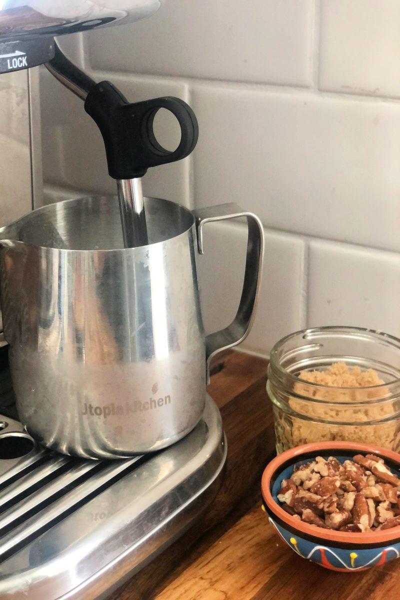 Vegan Chestnut Praline Latte Recipe #LatteRecipe #VeganLatte