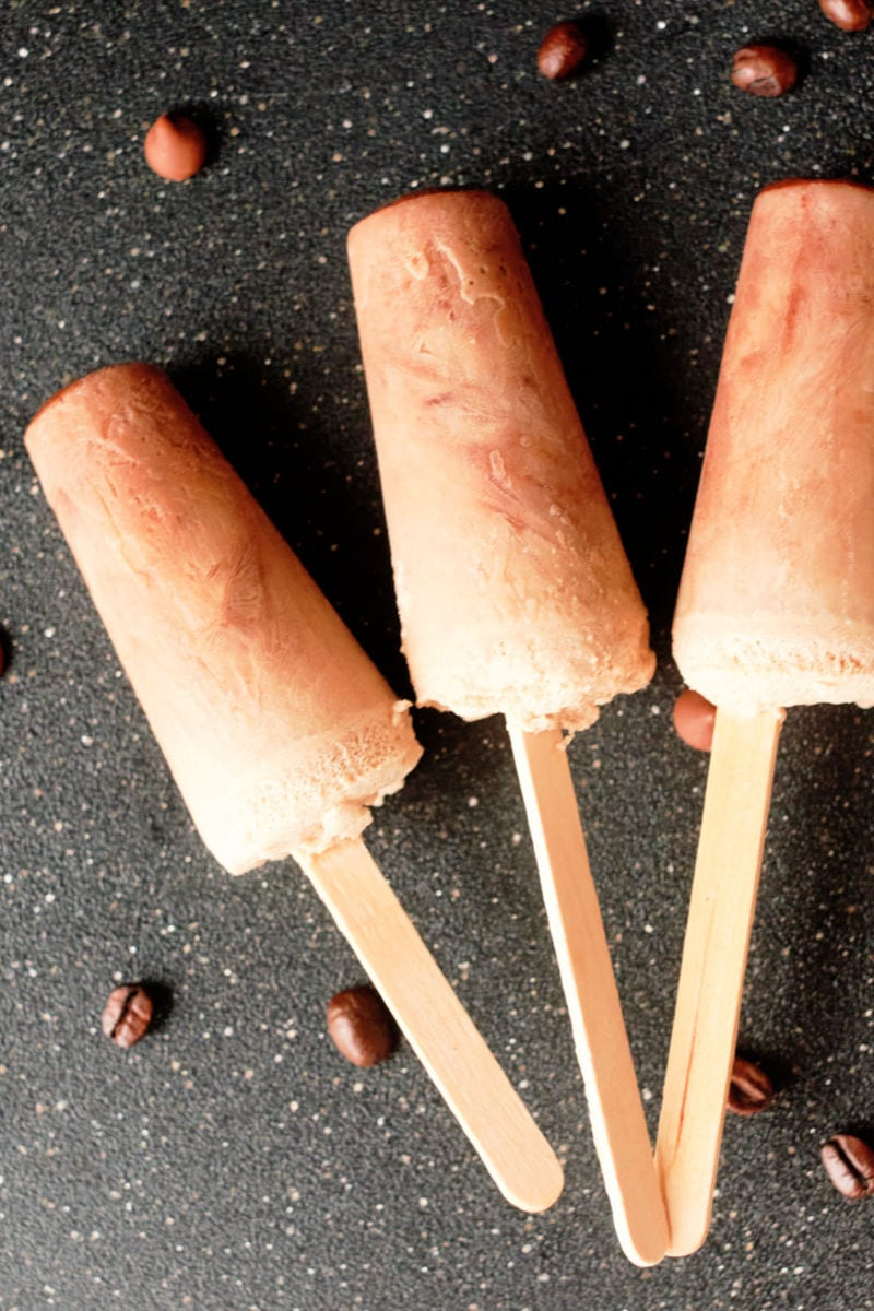 Cold Brew Mocha Popsicles Recipe #Popsicles #ColdBrew #ColdBrewPopsicles #CoffeePopsicles #MochaPopsicles