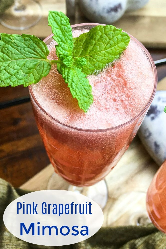 Pretty in Pink Grapefruit Mimosa Recipe #Mimosa #Mimosas #Cocktails #PinkGrapefruitCocktails
