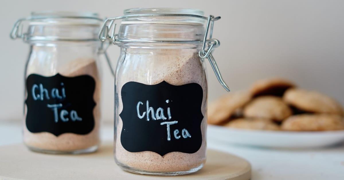 chai tea mix and cookies