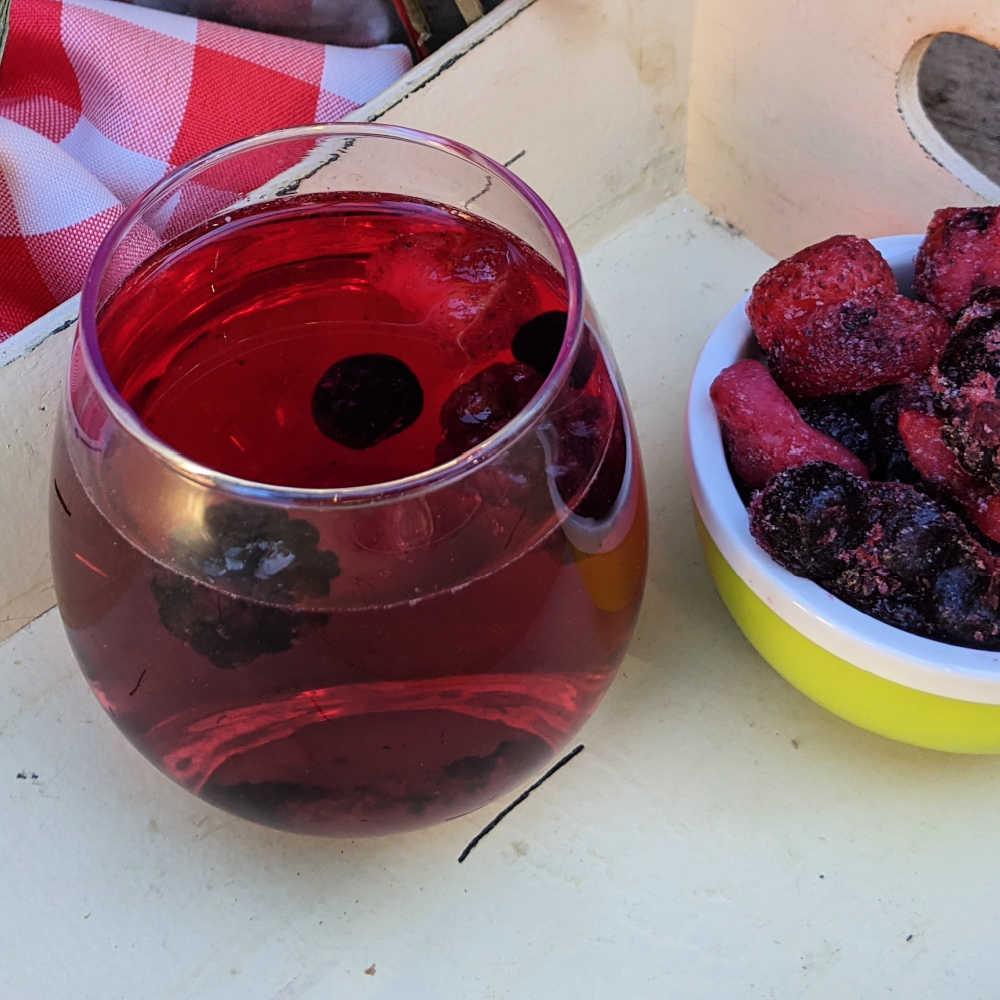 sweet red wine spritzer