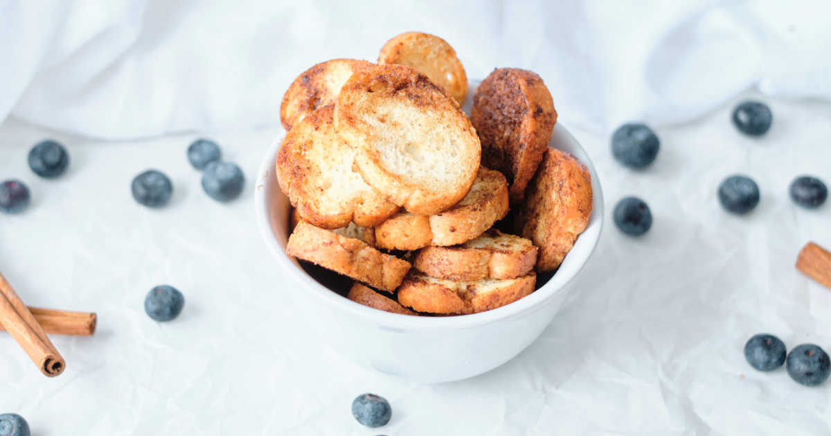 air fryer cinnamon baguette crisps.