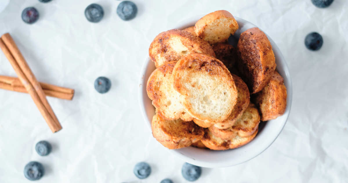 bowl of air fryer baguette crisps.