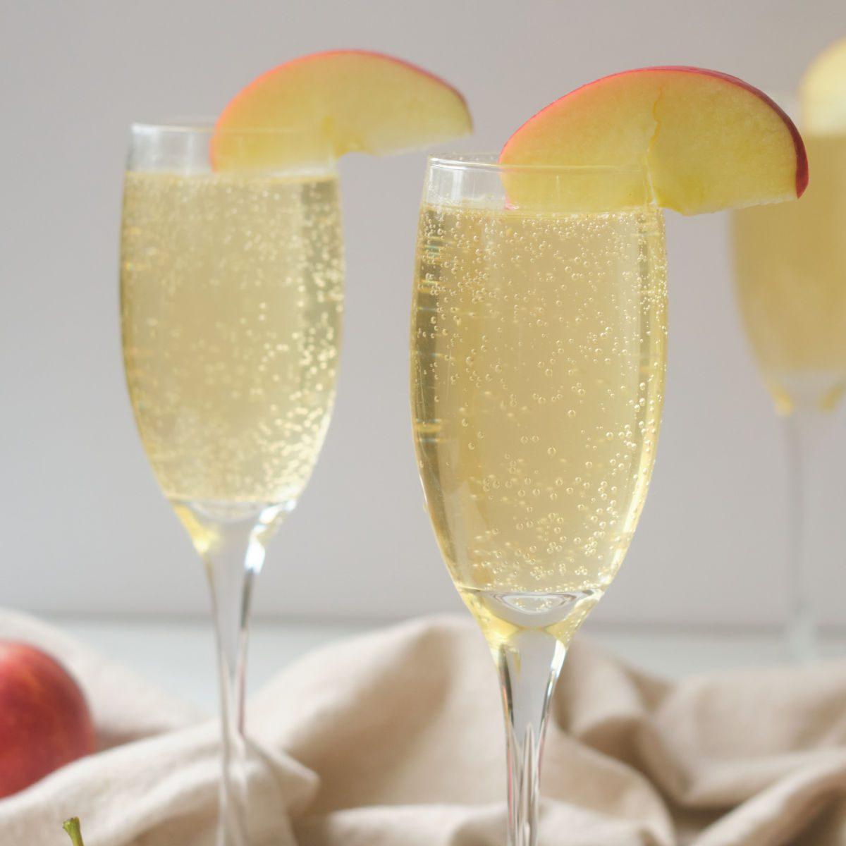 virgin sparkling caramel apple drinks